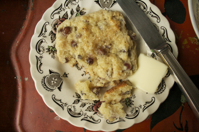 Post image for Cream Scones with New York State Champagne Grapes
