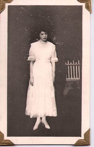 My darling grandmother, Hester Hallford Schlager, Porterville, California, around 1918.