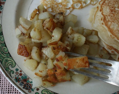 fried-potatoes-plated