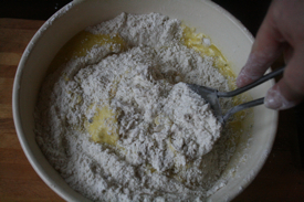 mix-wet-and-dry-ingredients