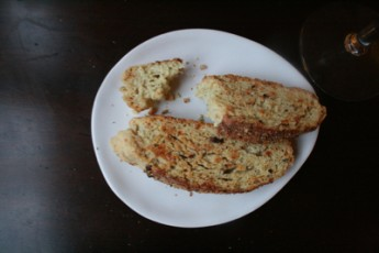 parmesan-biscotti-on-plate