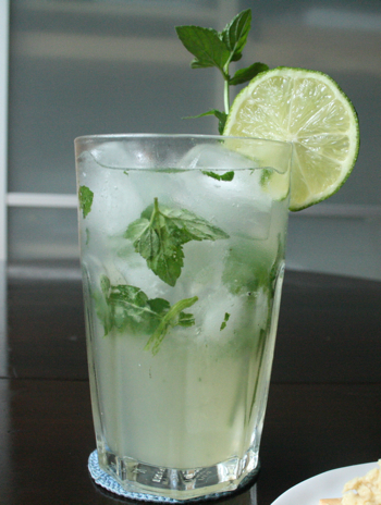 Post image for Classic Mojito with Mint Simple Syrup Recipe